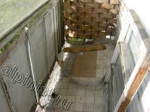 Это фотография балкона, где наша компания будет проводить ремонтные работы