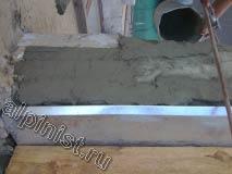 Материал который мы применяли для восстановления разрушенных частей плиты балкона, предназначен для восстановления первоначальной геометрии частей бетонных конструкций с толщиной слоя до 100 мм,  что идеально подходит для перепрофилирования углов и кромок без использования опалубки.