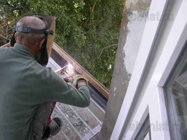 Восстановление разрушенной до консолей плиты балкона 1-го ба.
