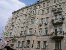 Фасад на ул. Спиридоновка практически готов к грунтовке и покраске, все трещины на фасаде расшиты и зашпатлеваны, плиты балконов отремонтированы, смыта вся пыль и грязь с фасада.