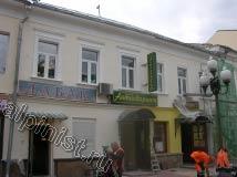 На фотографии показан фасад, на поверхности которого наши специалисты выполнили косметический ремонт.
