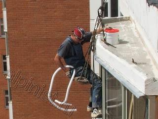 Лучший герметик для заделки остекленного балкона.